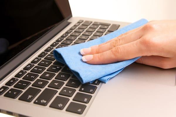 Cleaning Laptop Keys